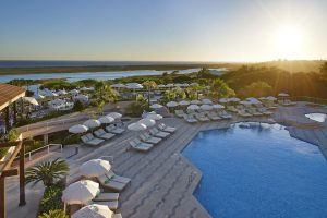 pool-terrace960x641