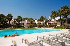 Hotel Encinar pool